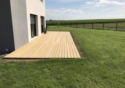 construction d'une terrasse en bois de pin près de Caen (Calvados -14)