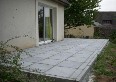 construction de terrasse en pierre naturelle à Caen (Calvados -14) - AVAE Paysage