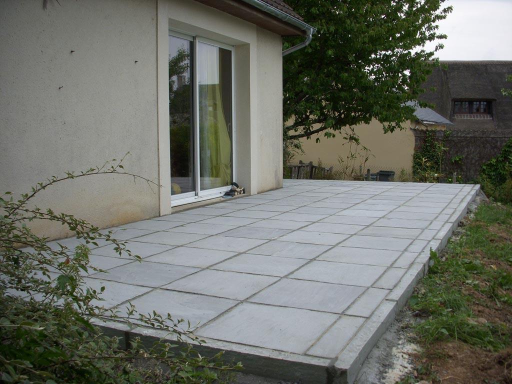 construction et pose de terrasse en pierre naturelle à Caen (Calvados -14) - AVAE Paysage