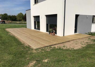 installation d'une terrasse en bois de pin â Caen (Calvados-14)
