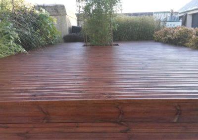 Installation d'une terrasses en bois résineux (pin) à Caen (dans le Calvados -14)